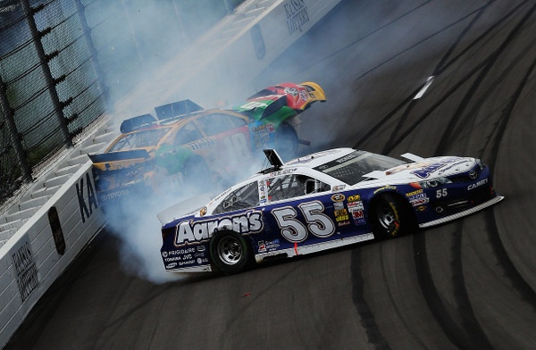 Playing field for the Kansas 400 was unacceptable for a NASCAR championship playoff