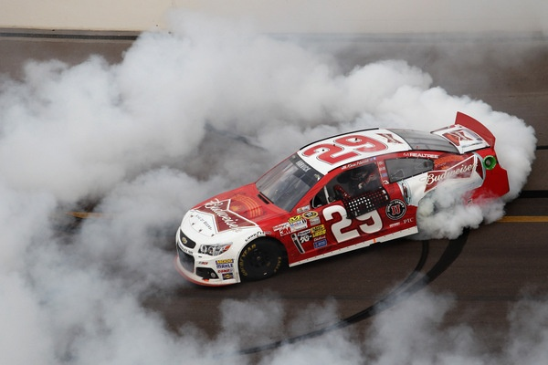 Kevin Harvick gases his way to victory in the Phoenix 500, but Matt Kenseth struggles, and Jimmie Johnson all but clinches the NASCAR championship